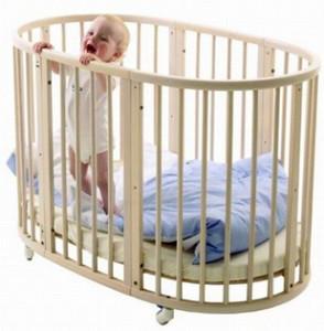 Czy wkładać dziecko do kojca?