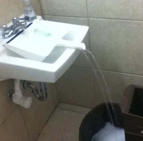 Jak napełnić wiadro wodą